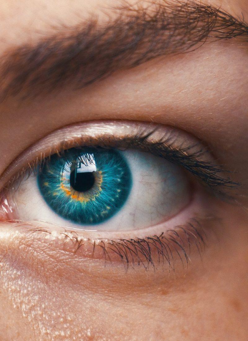contact lenses eyes