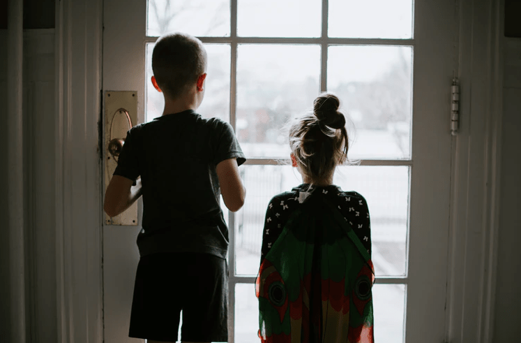 Staying at home with kids? This is how you master working from home